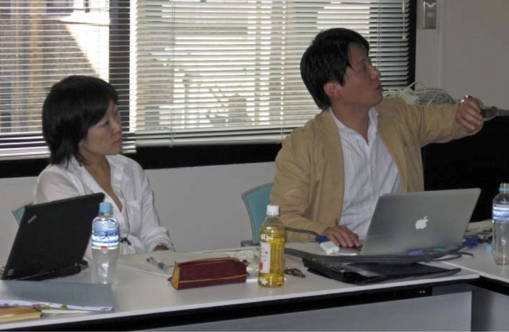 写真1:報告を行う森田敦朗氏