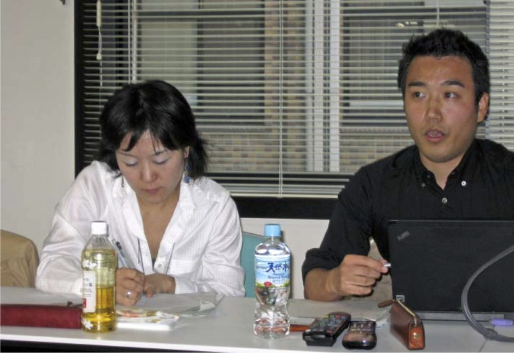 写真5:報告を行う岩城考信氏